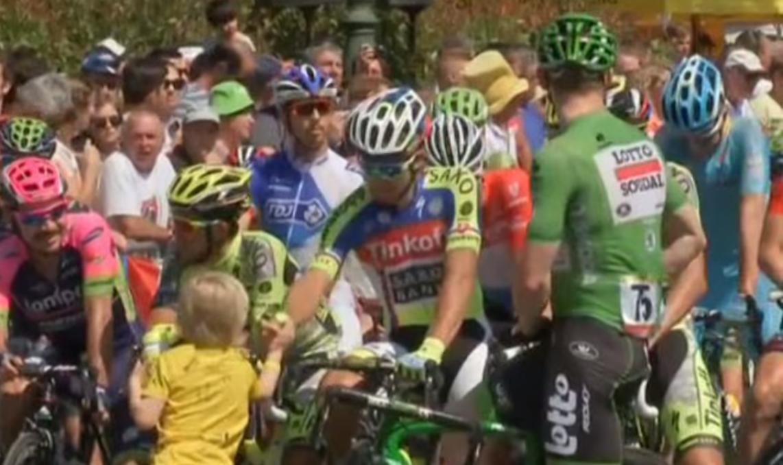 Peter Sagan: Cyklista s veľkým srdcom. Pozrite sa, ako prekvapil malého fanúšika