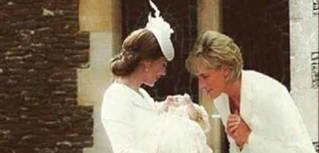 Princezná Diana sa skláňa nad malou Charlotte!