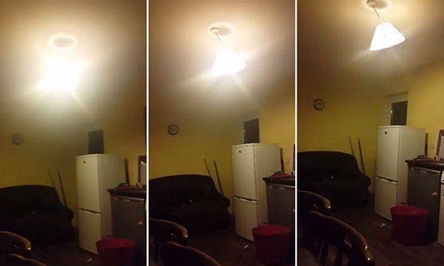 Paranormal activity priamo v kuchyni! Je to FAKE alebo ozajstné?