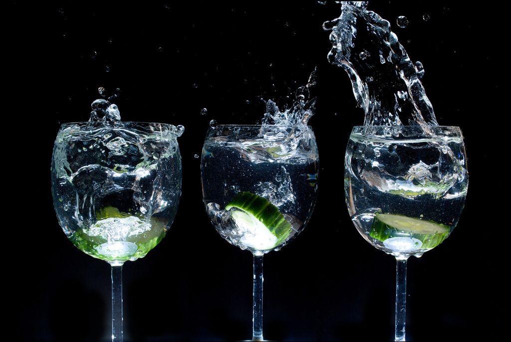 Čo sa deje s telom, keď pijete studenú vodu?