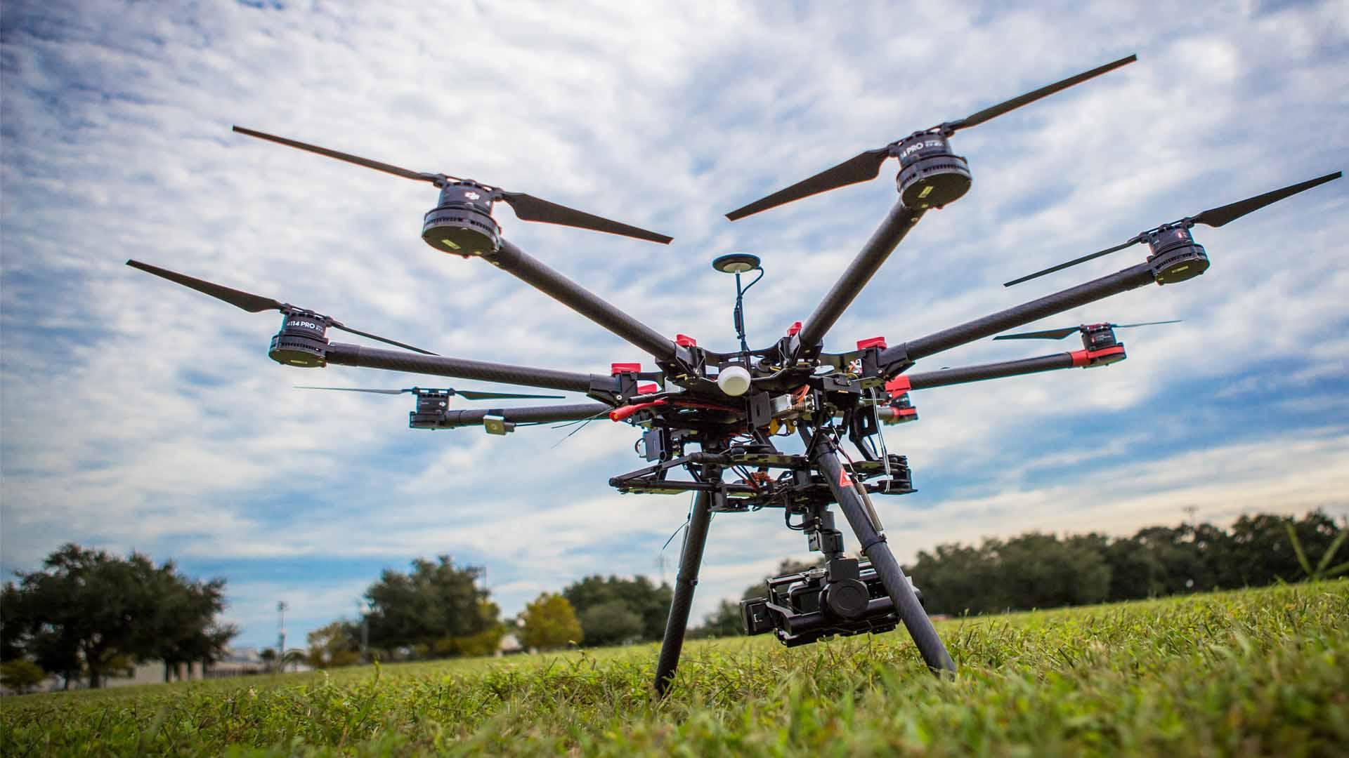 Drony, bezpilotné lietadlá 21. storočia. Tu je o nich pár faktov!