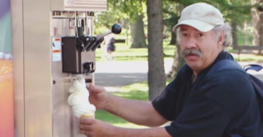 Zmrzlina a skrytá kamera? Perfektná pasca na ľudí! VIDEO