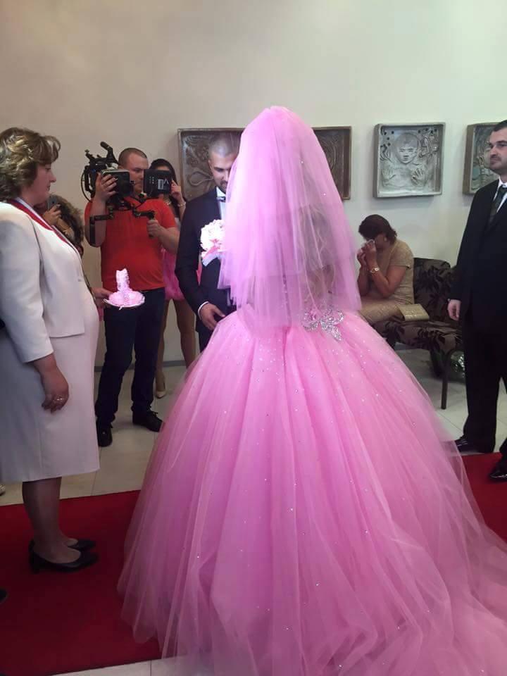 Svadobné šaty, ktoré sadnú ako uliate!