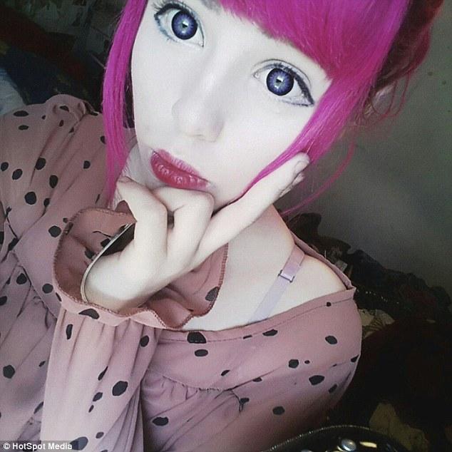 Má tvár ako z japonského komiksu, no plastickú operáciu nikdy nepodstúpila!