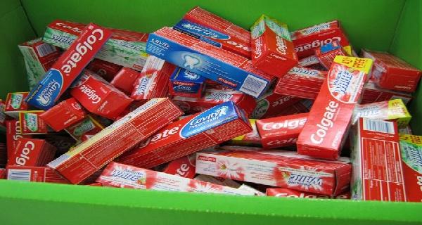 Nebezpečné umývanie zubov? Populárna zubná pasta má chemikáliu, ktorá spôsobuje rakovinu!
