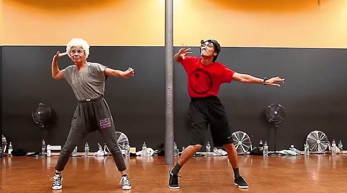 Dôchodcovia svojím tancom drú podlahu! Skvelá choreografia!