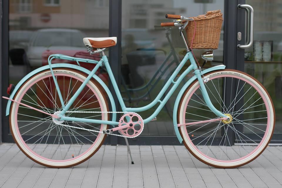 Neskoro v noci na hipsterskom bicykli z vychýreného bratislavského podniku! Príbeh, ktorý napíše len život! – blog