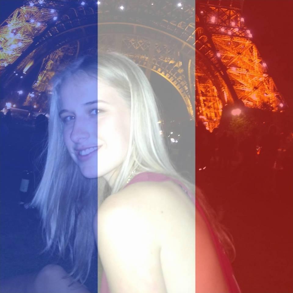 Status Isobel Bowdery, zachránenej pri francúzskom atentáte, obletel svet!