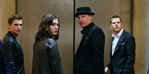 Podfukári prichádzajú s prvým trailerom! Tipnete, kto nový príde čarovať?