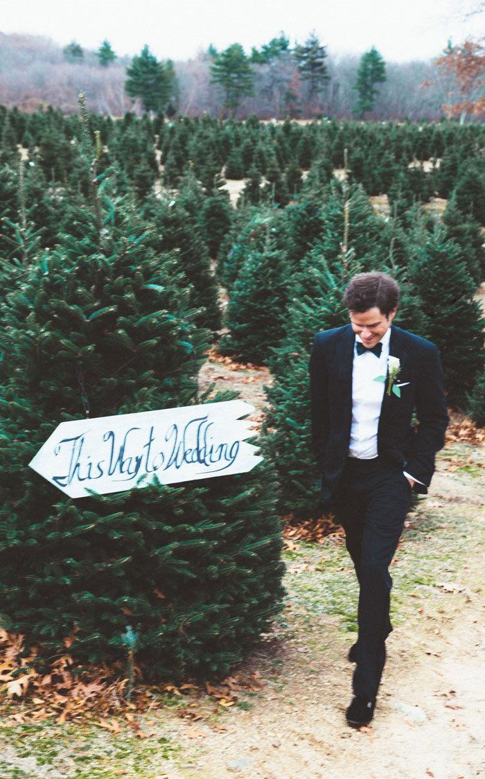 christmas-tree-farm-wedding-sarah-vickers-kiel-patrick-38