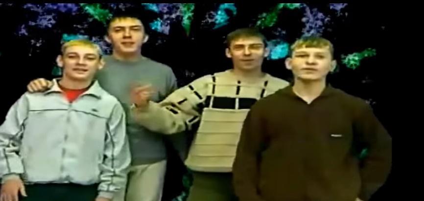 """SILVESTROVSKÝ ŠPECIÁL! – Legenda internetu, ruský Lunetic, spieva """"Nový rok""""! PF 2016!"""
