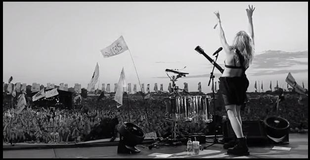 Ellie Goulding má nový klip ku skladbe ARMY