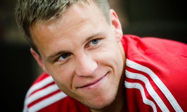 Futbalista Radoslav Zabavník sa teší! Bocian mu priniesol dcérku Valentínu