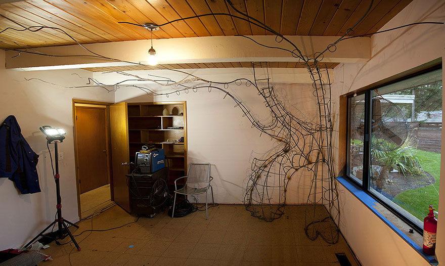 Otecko strávil 18 mesiacov vyrábaním magického stromu pre svoju dcérku. Podarilo sa mu to?