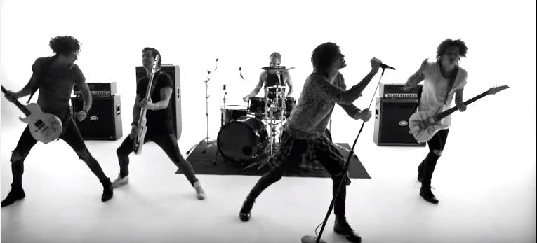 """Asking Alexandria promujú svoj nový album singlom """"The Black""""!"""