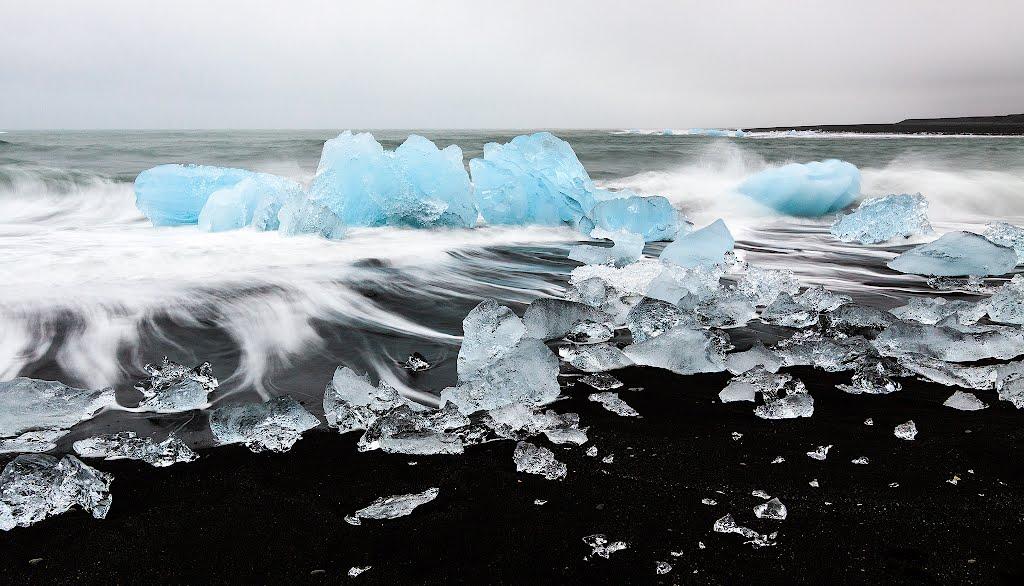 12.-Jokulsarlon-Beach-Iceland-1
