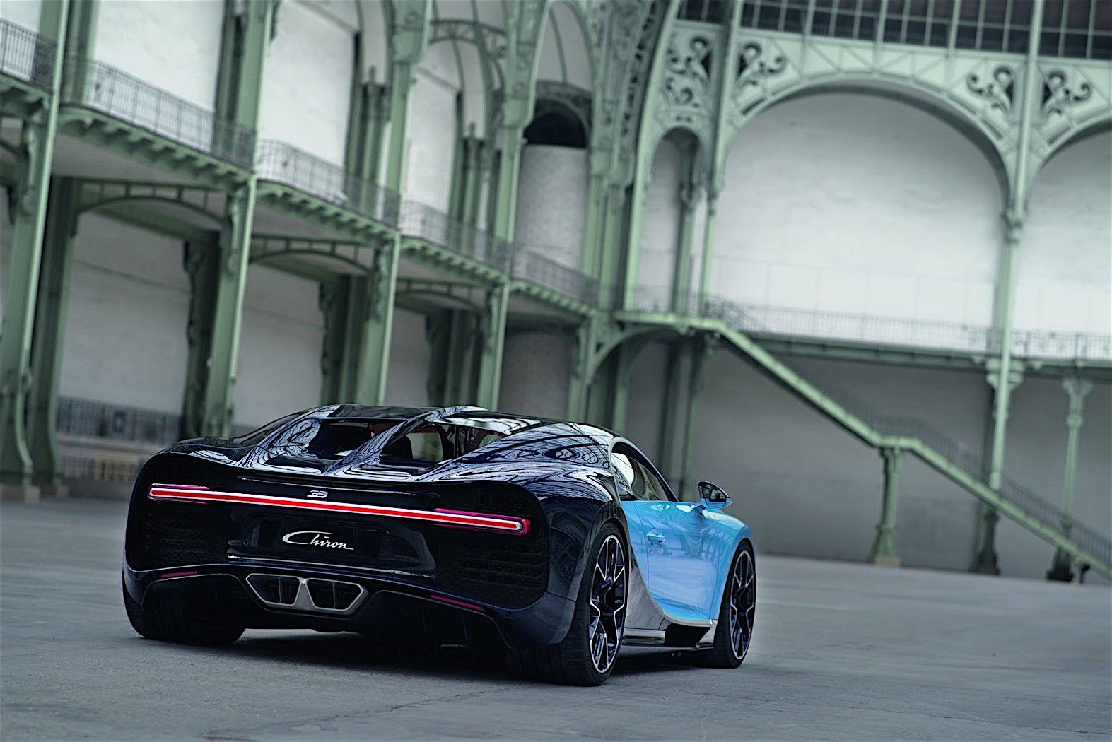 2017-bugatti-chiron-lets-its-quad-turbocharged-w16-loose_52