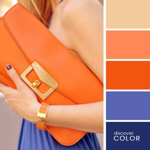 Tmavo modra s oranzovou