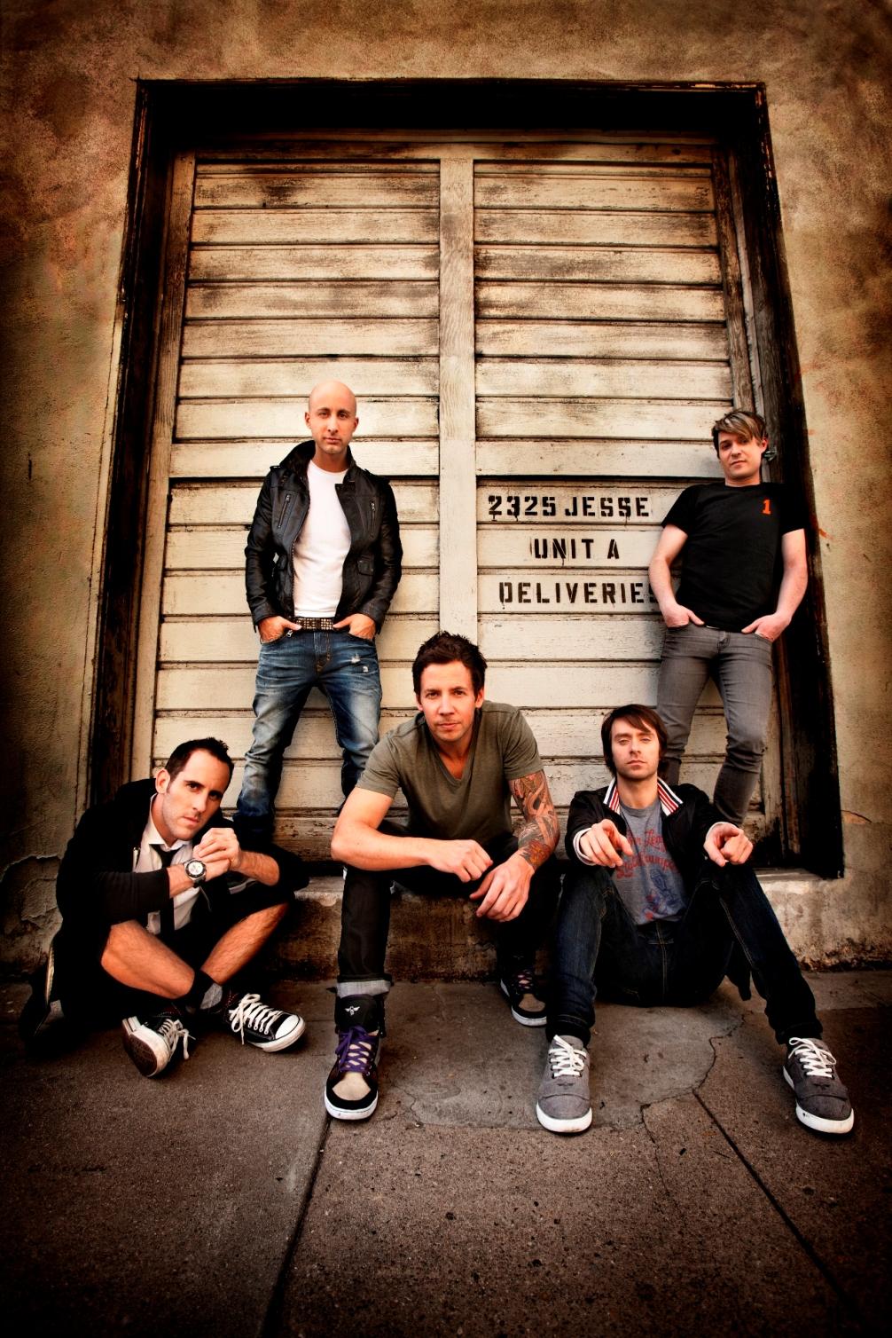 """""""Taking One for the Team"""" od Simple Plan dokazuje, že ešte stále majú čo ponúknuť! RECENZIA"""