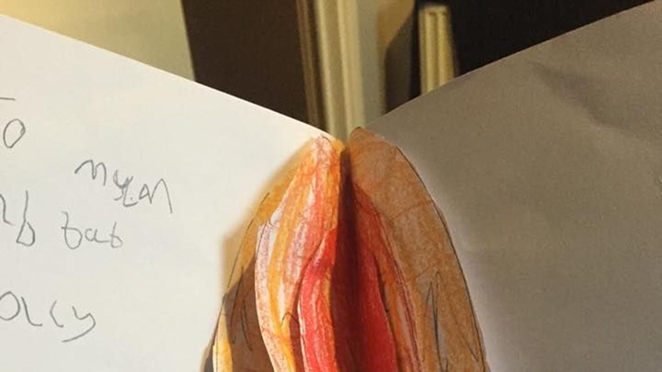 Mama otvorila pohľadnicu a vybuchla od smiechu. Zistite, aký bol dôvod…