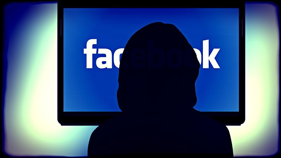 Dávaj si pozor! To, čo zdieľaš na facebooku, napovie o tebe veľa! Akým si človekom?