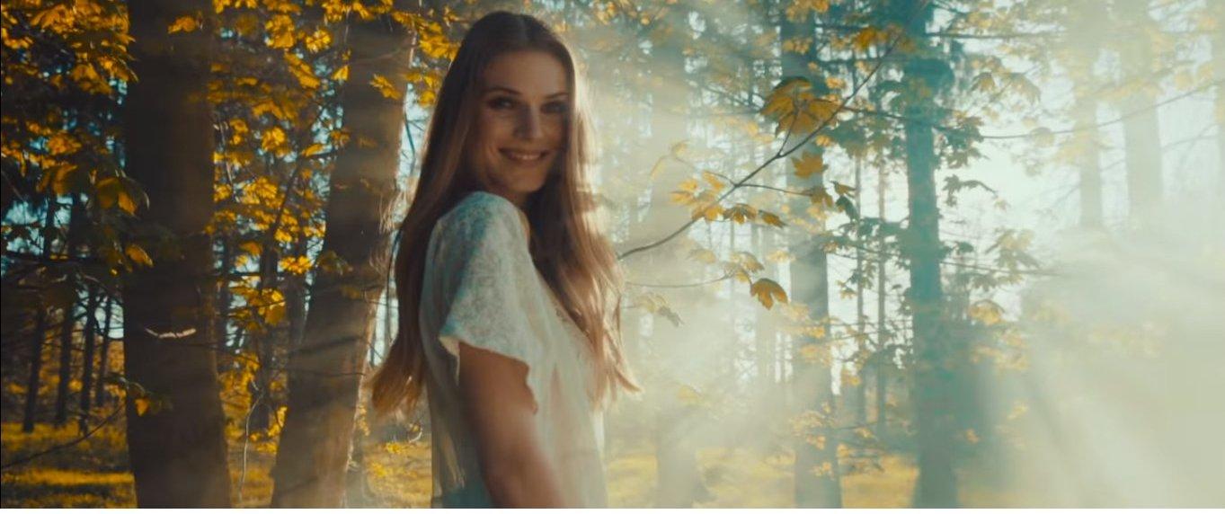 Ben Cristovao v skladbe #PUREGIRL ospevuje prirodzenú krásu ženy. V hlavnej úlohe je Slovenka