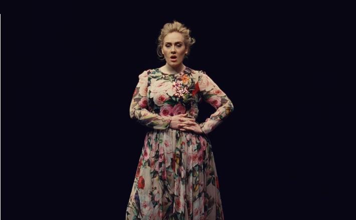 Adele má ďalší nový klip. Tentokrát ku skladbe Send My Love