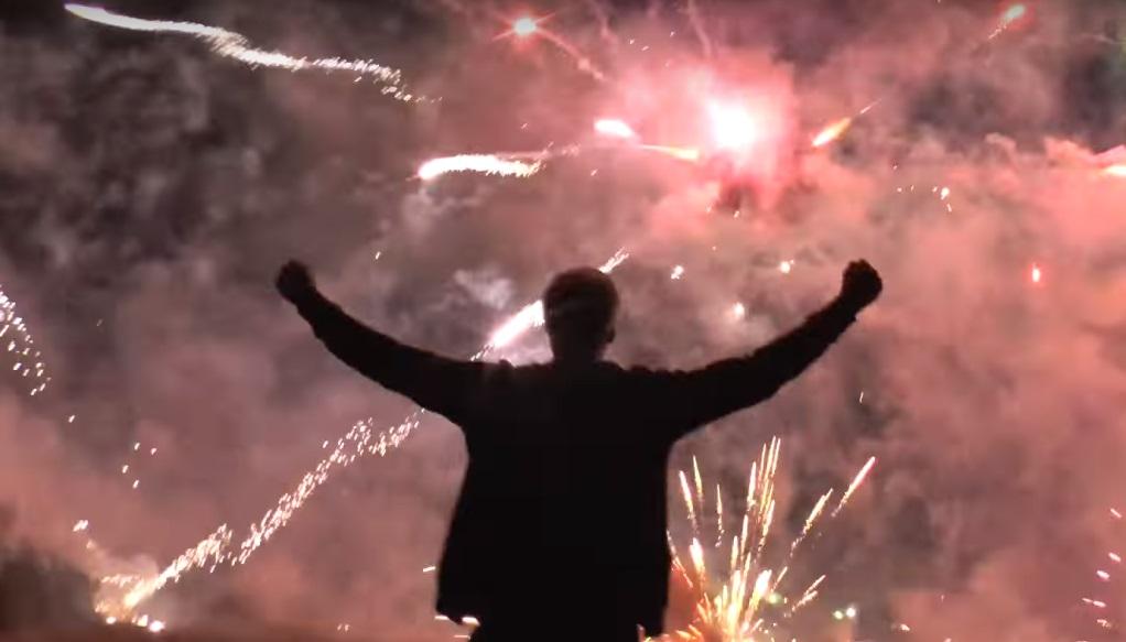 Youtuber oslávil 3 milióny odberateľov odpálením Death Star s 5 000 raketami!