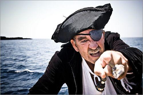 K pirátom už neodmysliteľne patrí páska cez jedno oko. Vieš, prečo ju páni morí nosili?