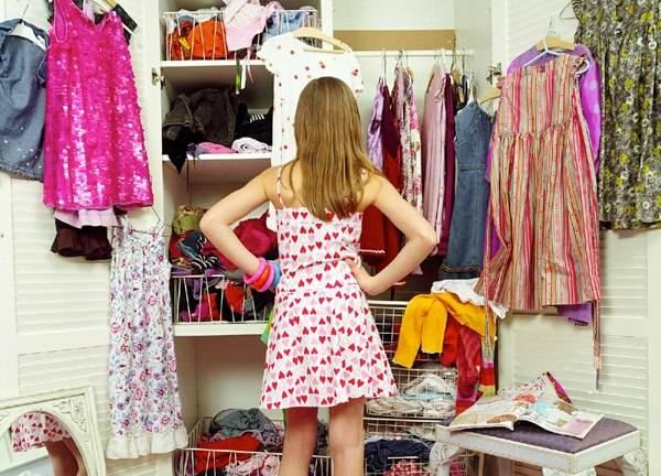 Výskum odhalil, koľko času strávia ženy pred svojimi šatníkmi!