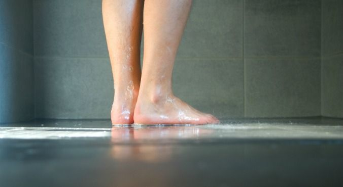 Dôvody, prečo ľudia radi močia v sprche