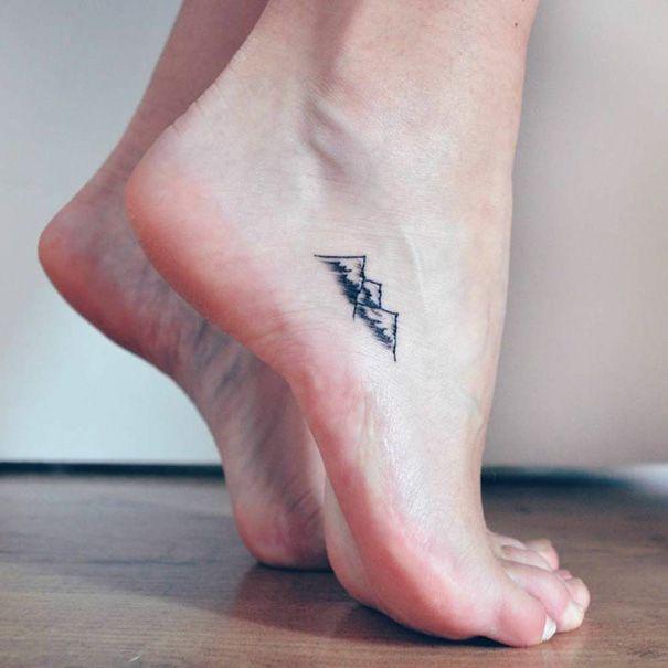 tiny-foot-tattoo-ideas-1-57501569ce5f9__605