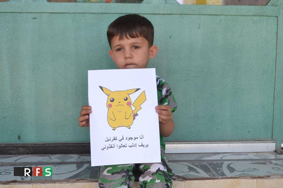 Fotografie s veľavravným odkazom! Takto chytajú pokémonov deti vo vojnovej Sýrii