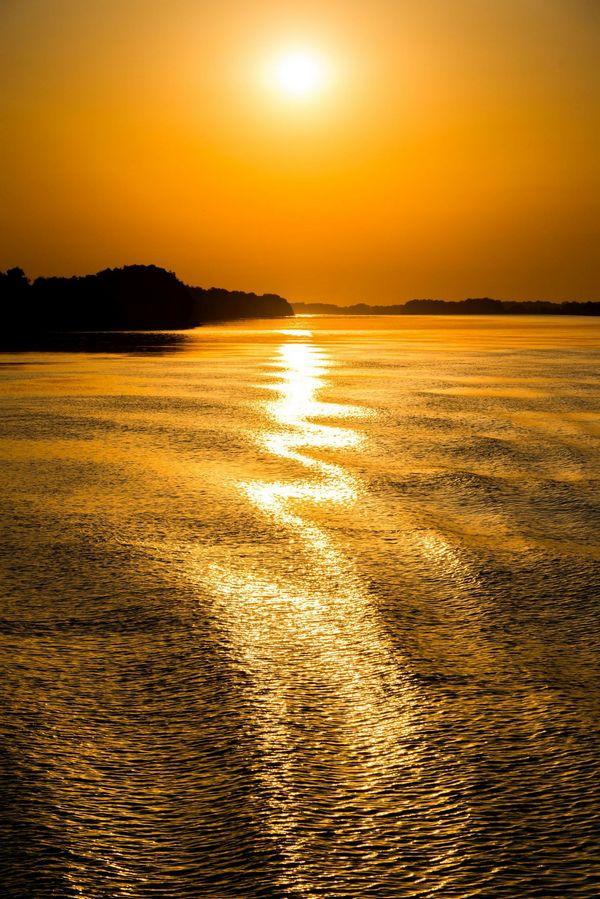 Delta Dunaja vychod slnka, protisvetlo