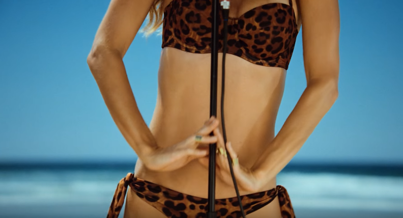 Takto vyzerá sexica a topmodelka, ktorá zaháji svojím spevom olympíjske hry v Riu!