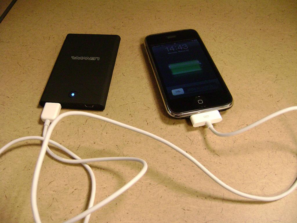 Väčšina ľudí nabíja svoj mobil zle. Tu sú tipy, ako to robiť správne!