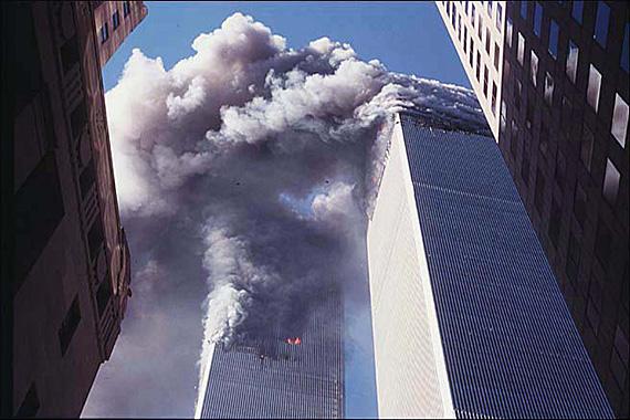 11. september 2001 – zábery jediného fotografa, ktorý zahynul pri páde Dvojičiek
