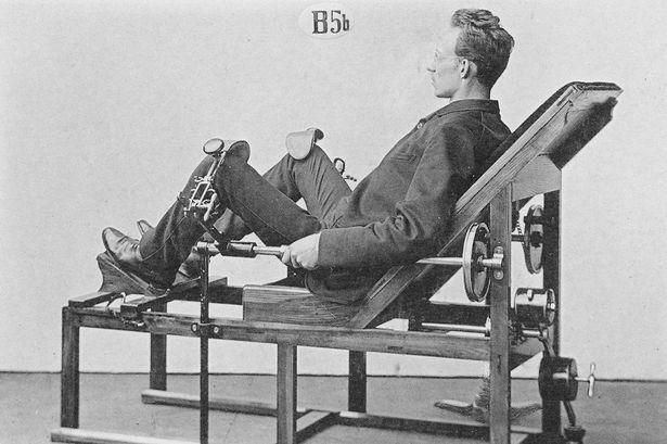 Takto vyzerali prvé fitness stroje! Čo myslíš, zacvičil by si si na nich kvalitne?