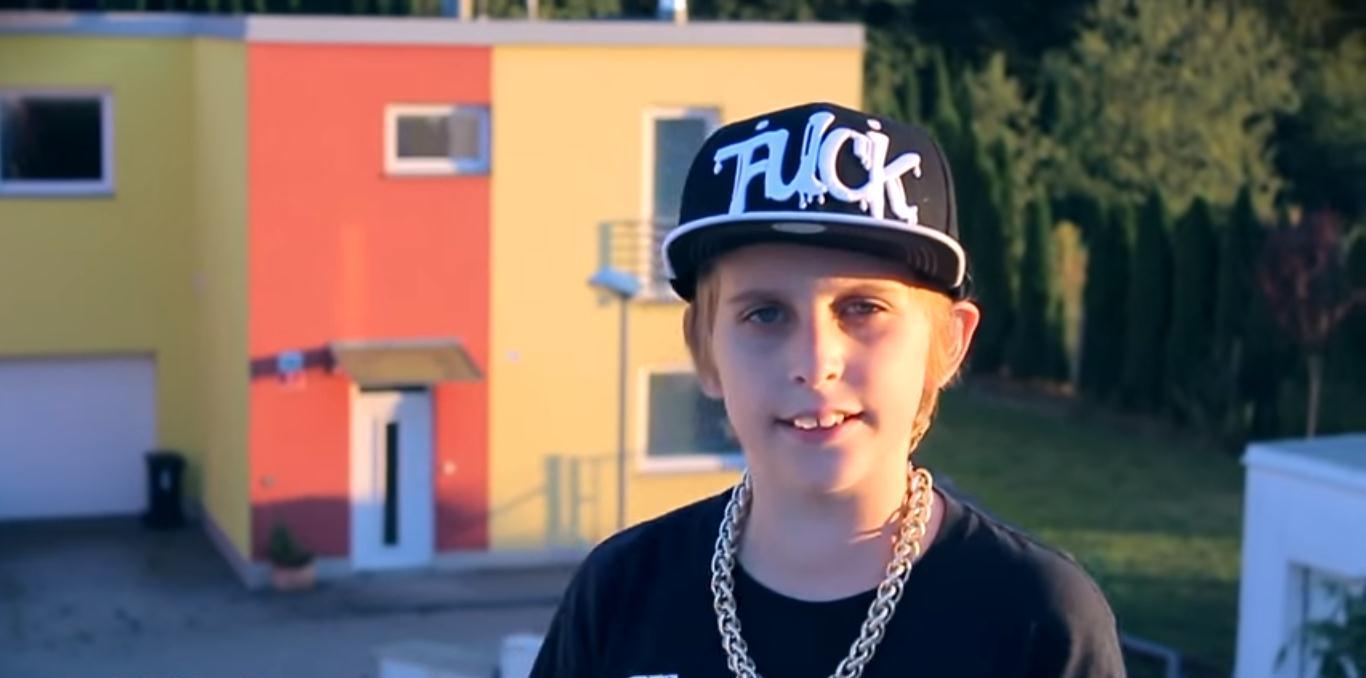 Český youtuber Misha má novú pesničku v ktorej spieva:  I'M VEGAN!!!