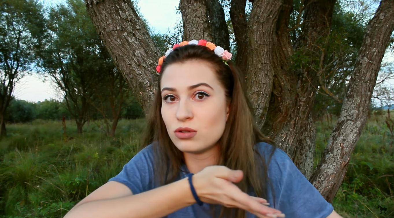 Skvelá Lady Zika vám v novom videu po svojom vysvetlí, ako sa prestať hanbiť!