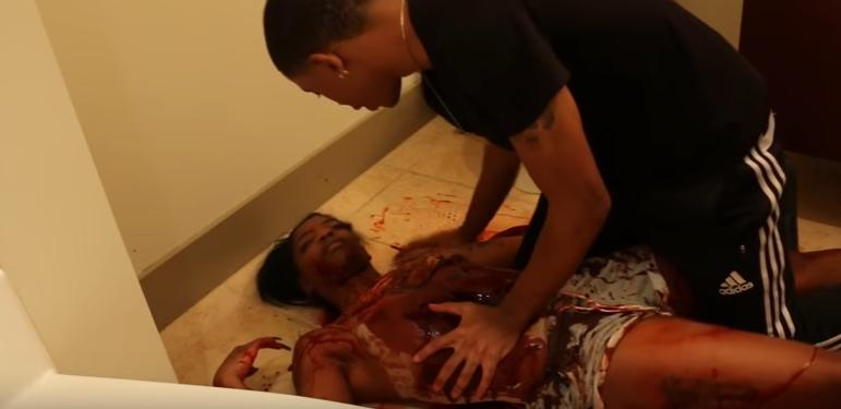 Po príchode domov objavil svoju priateľku mŕtvu v kaluži krvi! Bol zúfalý, no všetko sa rázom zmenilo…
