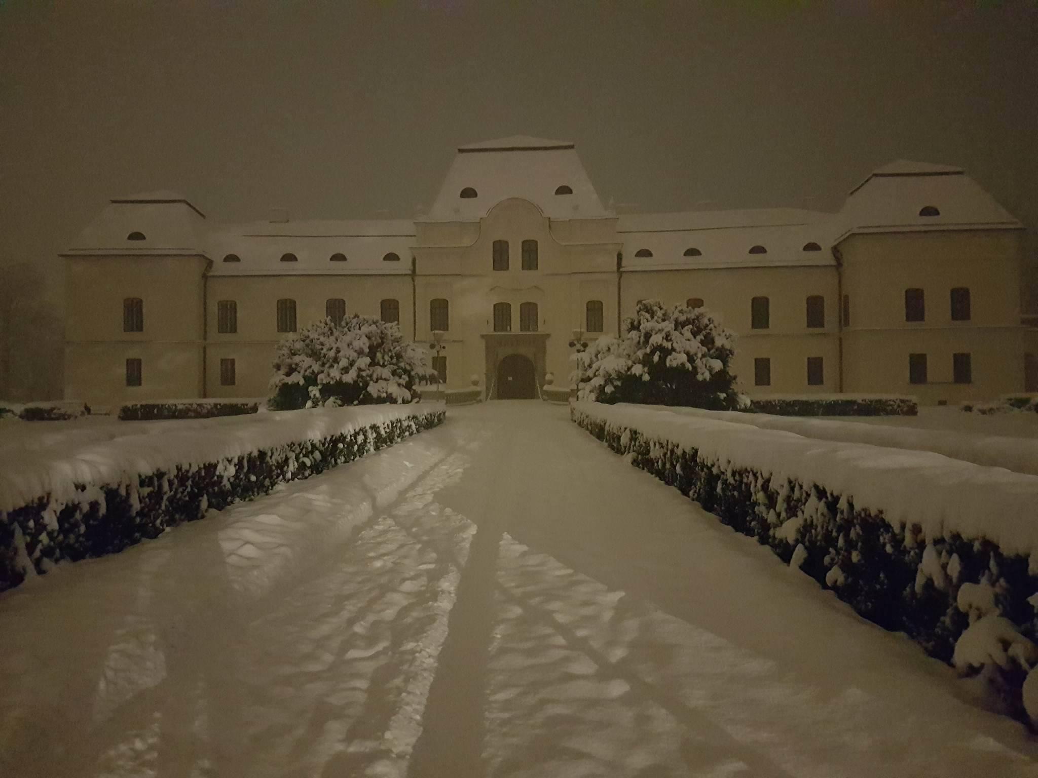 Zasnežená zima má svoje čaro. Pozri sa na fotografie z celého Slovenska. Je tam aj tvoje mesto?