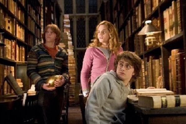 ŠOK: Fanúšikovia Harryho Pottera si všimli vo filme utajenú sexuálnu scénu! Všimneš si ju tiež?