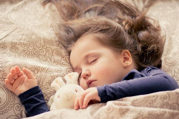 Máte problémy so spánkom? Čítajte a skoncujte s nimi, aby ste sa konečne vyspali do ružova