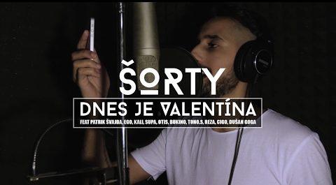 """,,Dnes je Valentína,"""" spieva Šorty hlasmi akými sú napríklad Kali či Ego. Neuveríte, že sa jedná o imitáciu raperov"""