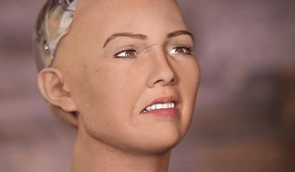 Robot dostal otázku, či chce zničiť ľudstvo. Odpoveď vydesila všetkých vrátane tvorcu