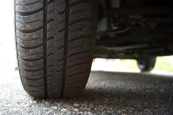 Teploty stúpajú. Je čas prezuť na letné pneumatiky!