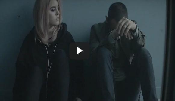 Kapela Linkin Park zverejnila videoklip k skladbe Heavy, ktorá je pilotným songom ich novému albumu