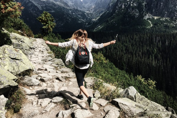 Chcela by si vyskúšať cestovanie osamote, no stále váhaš? Týchto 5 dôvodov ťa presvedčí!