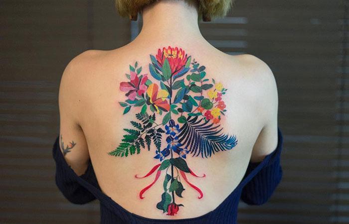 Neznášate farebné tetovania so vzorom kvetov? Tieto umelecké výtvory zmenia váš názor